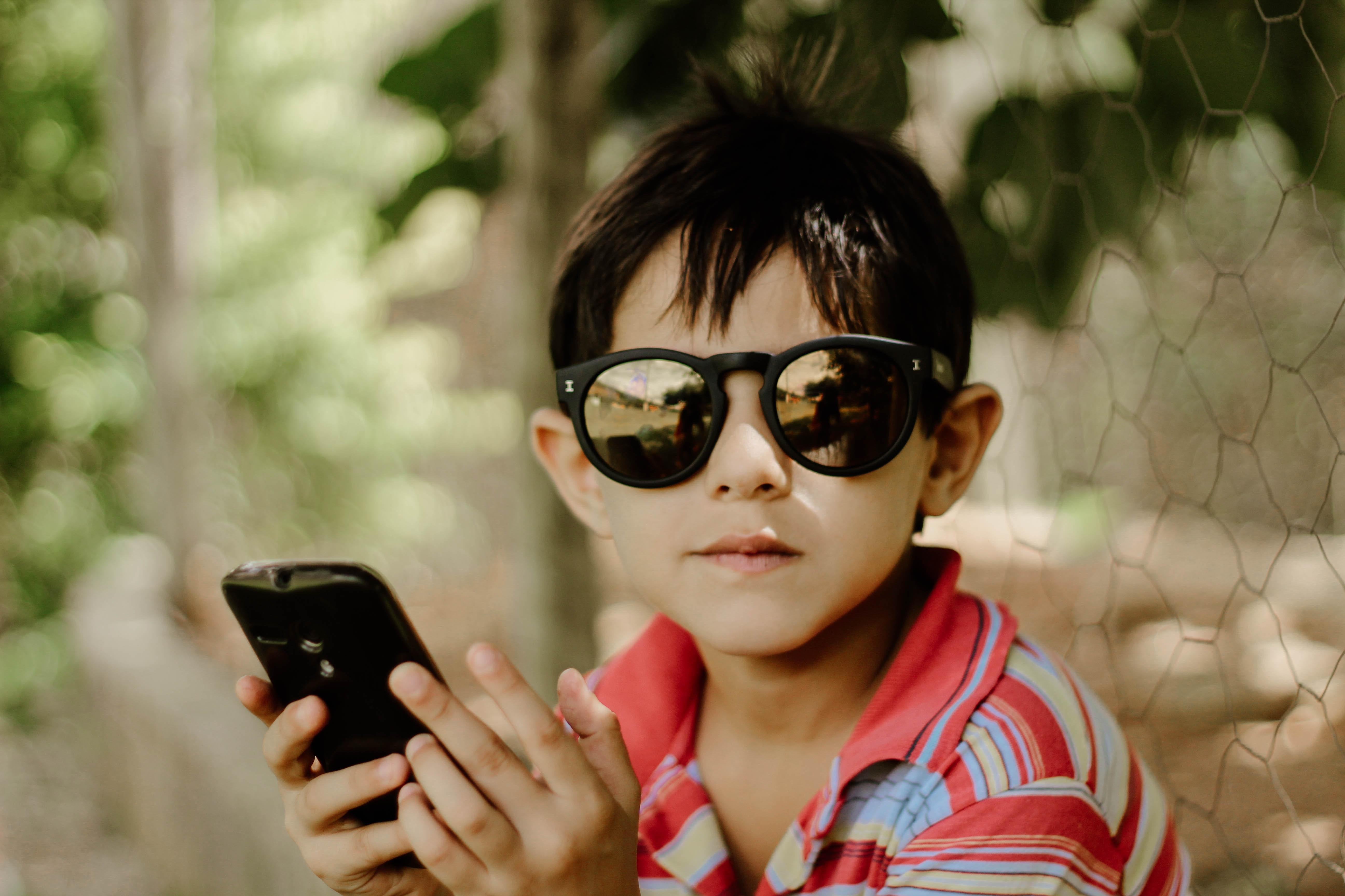 telefon komórkowy, telefon dla dziecka, komóka