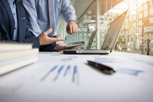 Dlaczego po kredyt warto udać się do doradcy finansowego z Krakowa
