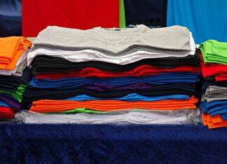 Wyposażenie stacjonarnego sklepu z odzieżą